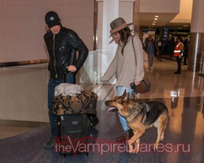 Йен и Никки Рид в аэропорту Лос-Анджелеса [10 декабря]