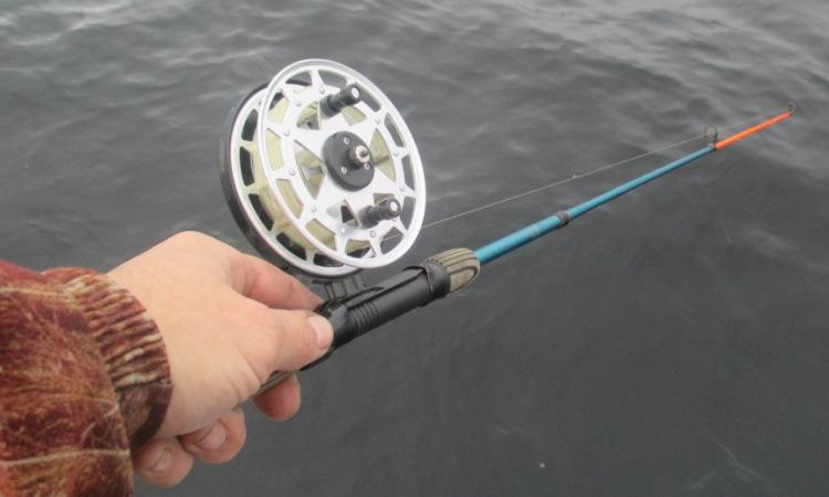 видео ловля судака летом в отвес